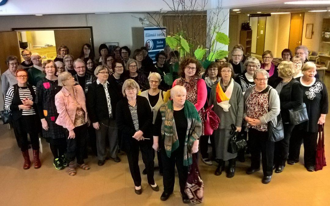 Naisten körttiviikonloppu Anna nähdä olenNainen la 17.- su 18.3.2018